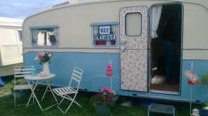 How beautiful is this caravan, perfect as a little den for me!